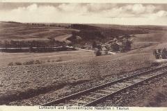 Blick zur Funkenmühle bei den Kleinbahnschienen die über die Heide nach Holzhausen führten