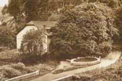 Mineralbrunnen-im-Schwall_1940